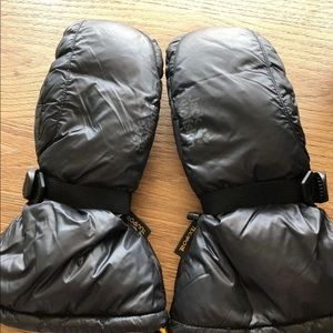 NWOT Jack Wolfskin mittens for adults sz L